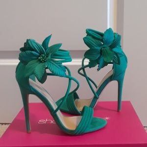 Size 7 Shoe Dazzle Teal Green Heel